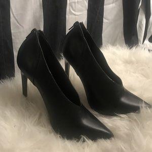Glamorous black booties!